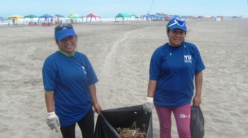 Fenix Power apoya limpieza en playa Yaya