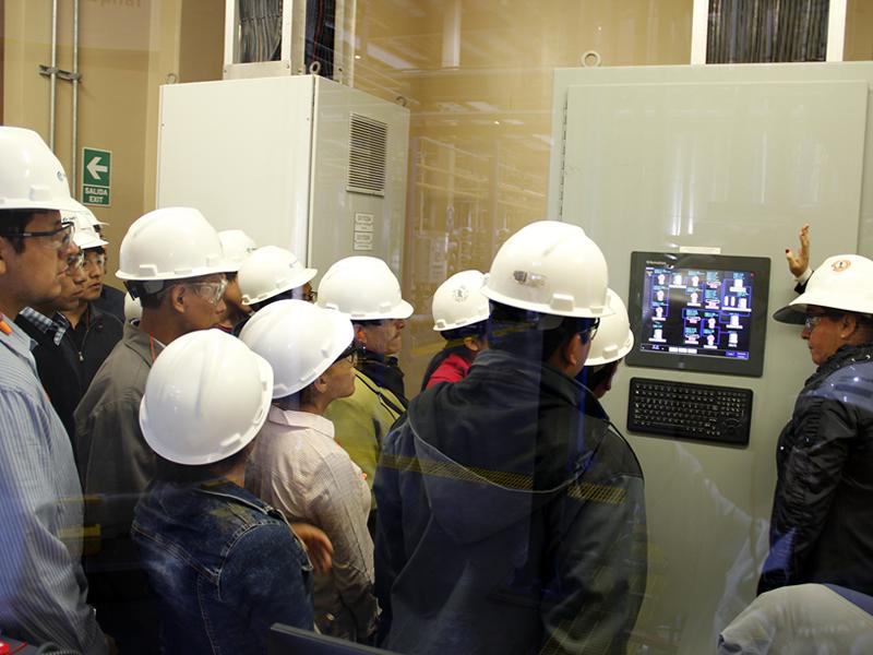 Alumnos de la UNMSM visitaron la Central Fenix