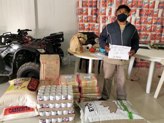 Entrega de kits de alimentos para familias vulnerables y con pacientes COVID-19