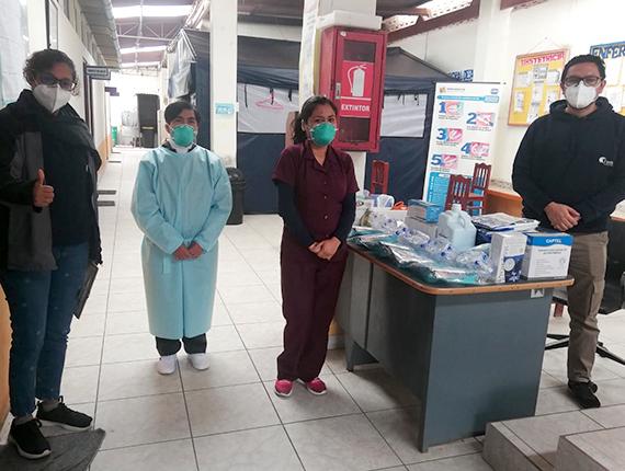Fenix dota de indumentaria médica al Puesto de Salud Las Salinas